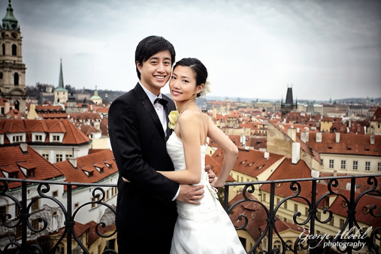 Prague_pre_wedding_photo-shoot_George_Hlobil_7786